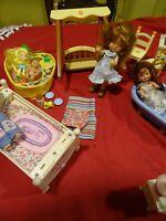 15piéces jouets et  poupées et accessoires berchets sarah kay,  poupée barbieetc