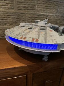STAR WARS MILLENNIUM FALCON 2008 Legacy Collection Lights And Sounds Figures 3FT