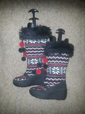 JUICY COUTURE-Black Red Snowflake Knit W/Pom Pom-Fair Isle-Faux Fur-New-NWOB-Sz5