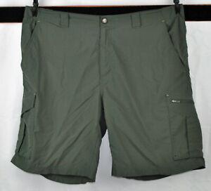 Columbia Omni-Shade  Cargo Shorts   Size 40
