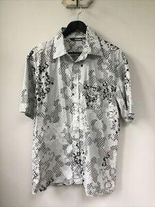 Men's Quiksilver Grey & White Patterned Short Sleeve Shirt, UK Size XL, Very Goo