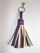Porte Clefs / Bijou de Sac Pompon 100 % Cuir Souple Couleur Violet & Crème 19 CM