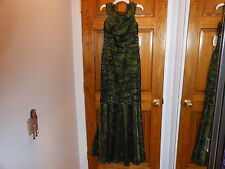 NWT Kay Unger New York Off the Shoulder Lace Gown *Size 6