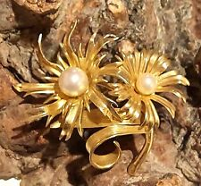 GROSSE - Flowers with pearl centres - brooch - 1965 GERMANY
