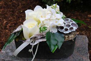 Grabgesteck Gesteck Blumengesteck Trauerfloristik Rosen Herz Grabschmuck Urne