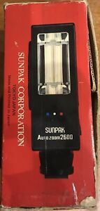 Sunpak AutoZoom 2600 Thyristor Universal FLASH for Film Cameras