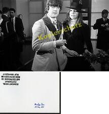 Foto Diana Rigg llegada aeropuerto Munich-Riem y del James Bond Premiere film 1969