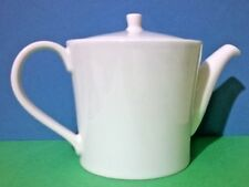 White RAK Porcelain Teapot Design by Vavro   Ref: 481