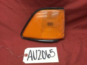 1992 - 1995 DODGE SPIRIT FENDER MOUNTED SIDE MARKER LAMP AMBER 4399162