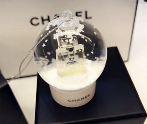 New Chanel No. 5 Perfumes VIP GIFT Small Snow Globe Ornament RARE & Collectible