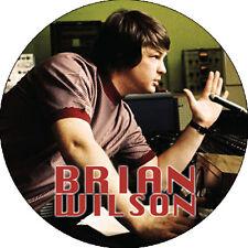 CHAPA/BADGE BRIAN WILSON . pin button beach boys dennis wilson surf link wray