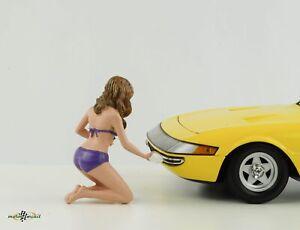 Figurine Bikini Car Wash Girl Alisa 1:18 American Diorama