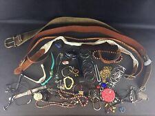 Lot 1,5 kg de bijoux fantaisie, ceinture et autres voir photos