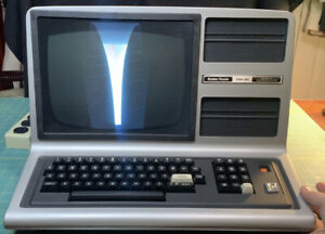 Vintage 80s Radio Shack TRS-80 Model 3 Micro Computer 16k Powers On, Not Working