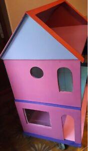 Superbe maison en bois pour poupée Barbie
