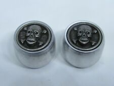 Skull and crossbones guitar knobs with aluminum sides.