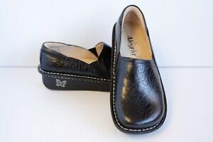 Alegria Debra Embossed Rose Clogs Professional Shoes Sz 35 fits 5-5.5 Black