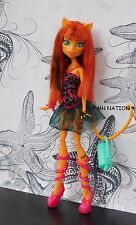 Monster High Lagoona Blue's DANCE CLASS Outfit and Accessories