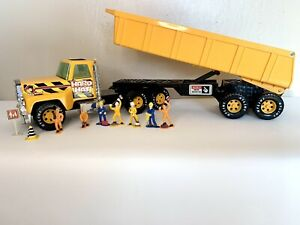 "Nylint Hard Hat Contractors 26 "" Dump Trailer & Truck 1997 With Mini Figures"