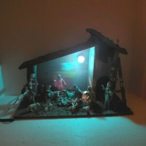 Vintage Lighted Wooden Nativity Set Manger with 14 Acrylic Figures