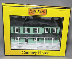 MTH Rail King Country House Green w/ Dark Green Shutters 30-9047. Our U154