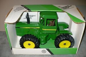 SCARCE 1/16 JOHN DEERE 4-Wheel Drive Toy Tractor 8640 Hood, 8650 Cab NIB Ertl
