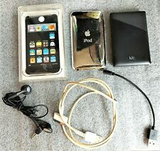 BLK & SILVER APPLE IPOD TOUCH – 2ND GENERATION 8GB M: A1288 & 'KIT' POWER BANK