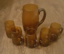 GAME JUG BROWN GLASS WITH 5 HANDLED GLASSES
