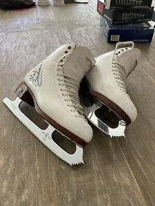 Riedell ice skates Size 7 Signed By Ekaterina Gordeeva
