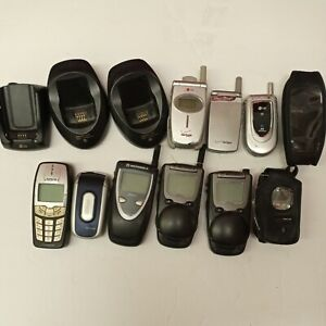 LOT OF 8 Motorola/ Nextel/ LG/ Nokia Cell Phones and accessories SOLD AS IS