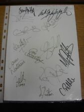 2001 Autographed A4 Page: Portsmouth - Approx 18 Signatures Upon Two Plain White