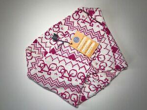 Merino : A Nice Gift : BIKE TWIST SNOOD : Fuchsia & Cream : Stitch-Mi-Lane, UK