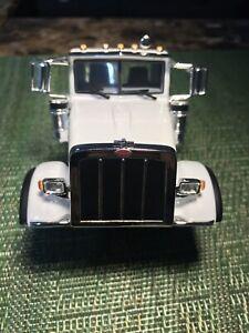 First Gear 1/34 Peterbilt 367 Cab Parts