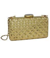 2a1d2f1e49175 Produktart  Tasche. Gold Box Clutch mit Rauten-Struktur und weiß verzierter  Schließe