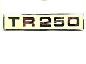 TRIUMPH TR5 embrague de logotipo verde Pin Insignia Elección De Oro//plata