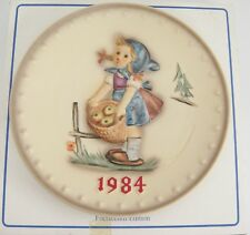 Goebel Hummel 1984 14th Plate Hum277 Little Helper Girl Apple Basket w Box