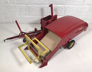 Vintage Tru Scale Combine Farm Equipment Machinery 1/16 Scale