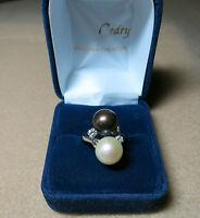 Bague Toi et moi Perles et diamants./ Ring 18k natural Tahitian pearls.