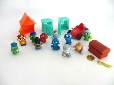 Lot of 11 Zomlings with containers