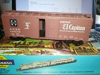 Athearn - Santa Fe - 40' El Capitan Box Car  # 146285
