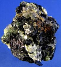 Fluorit mit Foitit und Muskovit vom Hohenstein im Erongo in Namibia