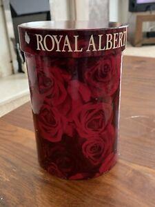 "Royal Albert "" Old Country Rose ""  Montrose Bud vase"