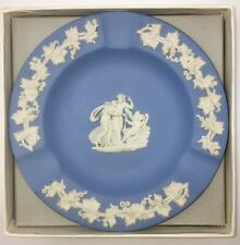 New in Box Vintage Wedgwood Cupid In Chair Jasper Blue & White Round Ashtray