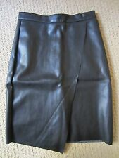 WOMENS H&M BLACK FAUX LEATHER BACK ZIPPER NICE FITTING SKIRT SIZE 2 US/ 32 EUR
