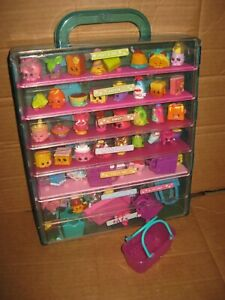 SHOPKINS CASE with figures lot A