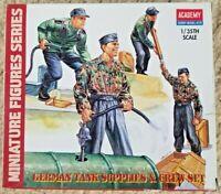 1:35 Scale Academy Model Kit #1376 Miniature Figures German Tank Supplies & Crew