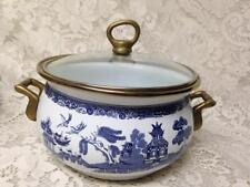 Blue Willow, Enamelware Cookware Small Dutch Oven 9in W x 7.5in D x 6.5in T