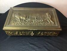 # grand COFFRET rectangulaire en bronze et laiton doré A la Marquise de Sévigné