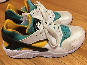 Nike Huarache Run Gold Turquoise White Sz 9 PREOWNED