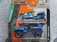 Matchbox 2014 #119/120 RUMBLE RAIDER dark blue MBX Explorers Case B New Casting